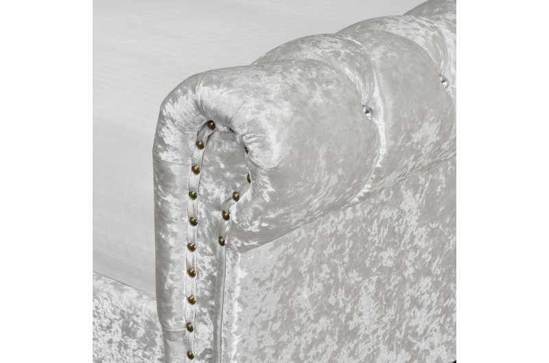 4339 thickbox default 4FT6 Double Chesterfield Bed Silver Velvet With Diamonds