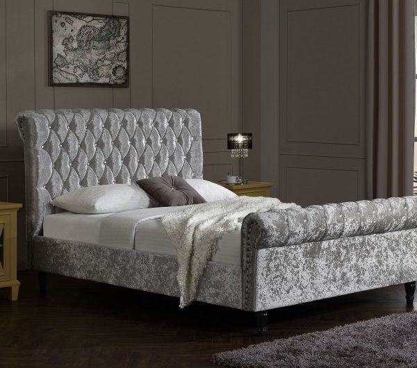 4342 thickbox default 5FTKing Chesterfield Bed Silver Velvet With Diamonds
